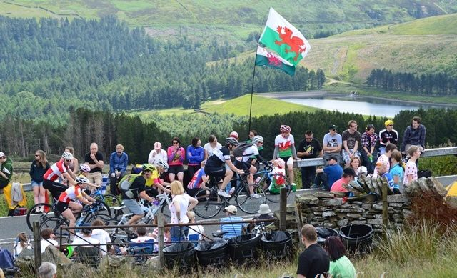 Crowds on Holme Moss during Tour de France 2014
